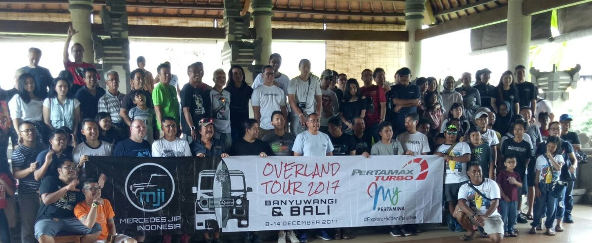 Group Mercedes Jip Indonesia lunch at Bebek Bengil Restaurant in Ubud