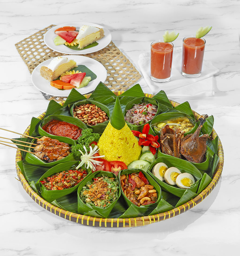 indonesian-rijstafel-at-bebek-bengil-61u.jpeg